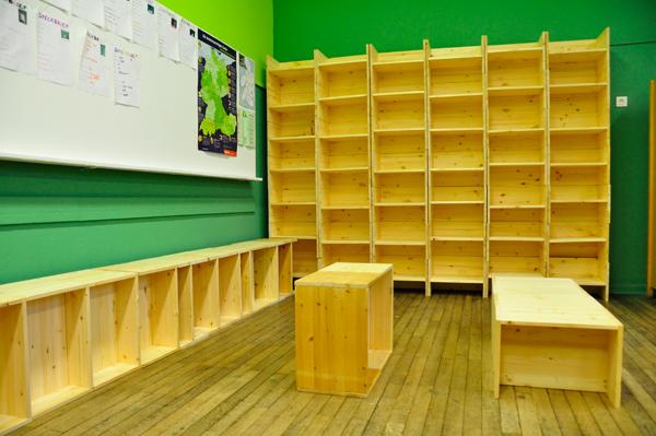 Berliner Hocker bibliothek marke eigenbau neukoellner berlin neukölln
