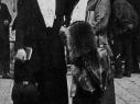 Helene Nathan mit Freundin