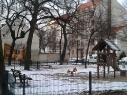 Spielplatz in den 1980er Jahren verlassen und ungenutzt (die Spielplatzdichte war allerdings auch damals schon sehr hoch)