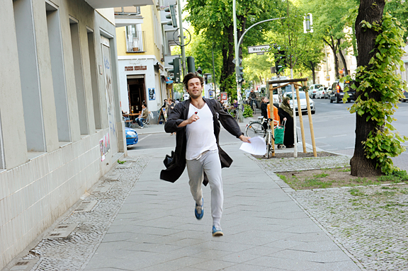 """Give me your love""-Aufführung vom 6. Mai 2011, Fotograf: Thomas Aurin, © Maxim Gorki Theater"