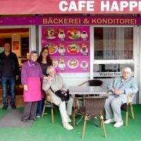 Vier Engel im Café Happiness
