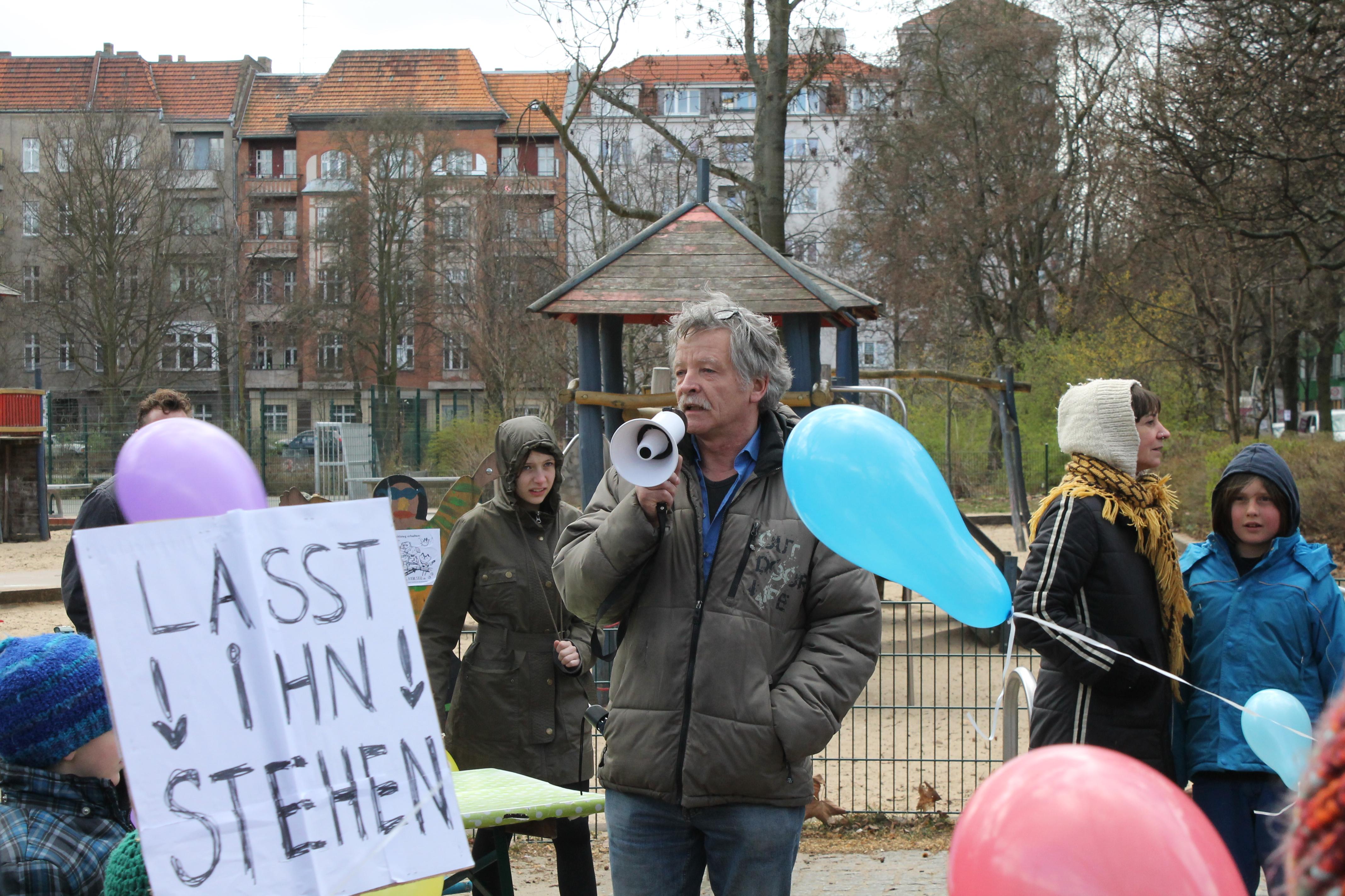 Die Initiative für den Erhalt des Stegs hat sich erst vor wenigen Tagen gegründet (Foto: Anne Stephanie Wildermann).