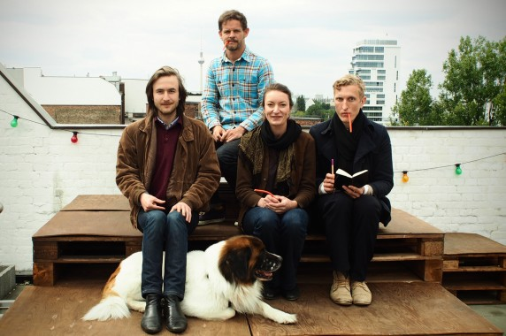 Hendrik Sodenkamp (v.l.), Jörg Petzold, Alix Faßmann und Anselm Lenz vom Haus Bartleby (Foto: Sophie Euler)