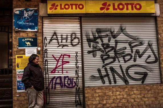 Bianca Skamrahl vor ihrem Lottoladen