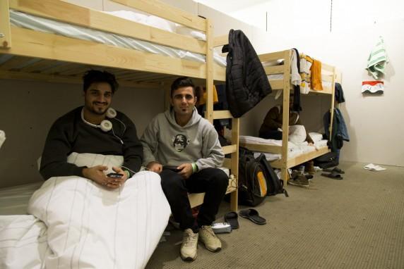 Dokumentationfotos in der Notunterkunft fuer Fluechtlinge in der ehemaligen C&A in der Karl-Marx-Strasse in Neukoelln am 8. Januar 2016. Im Foto: Einige Fluechtlinge in einem Zimmer