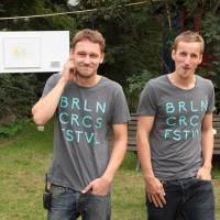 Johannes Hilliger (r.) und Josa Kölbel haben das Berlin Circus Festival zusammen auf die Beine gestellt.
