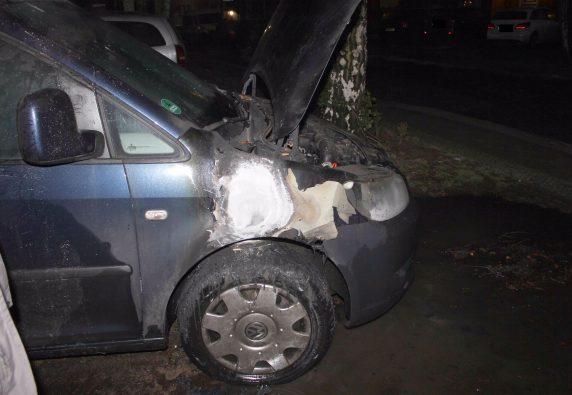 Der Wagen von Mirjam Blumenthal wurde von Unbekannten in Brand gesetzt. (Foto: SPD Neukölln)