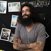 """Abu Tattoo"": Aleppos Sohn des Tattoos"