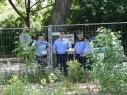 Polizisten hinterm Zaum
