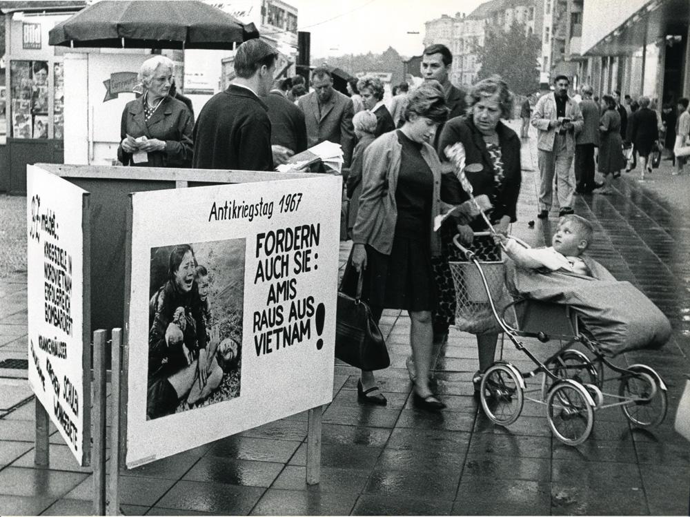 Antikriegstag 1967 Hermannplatz