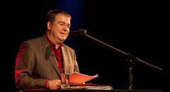 Max Goldt bei einer Lesung 2009