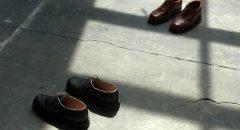 Die Schuh-Installation von Mathieu Cortin, Ohne Titel 2013 (Foto: Anke Hohmeister)