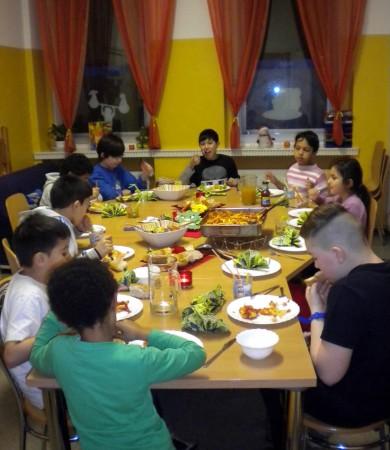 Das gemeinsame Essen ist im Projekt von Marion Seifert ein wichtiger Bestandteil.