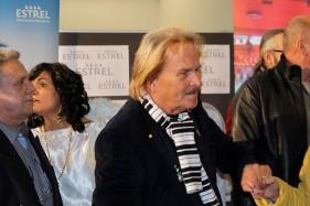 Schirmherr Frank Zander begrüßt seine Gäste und Helfer