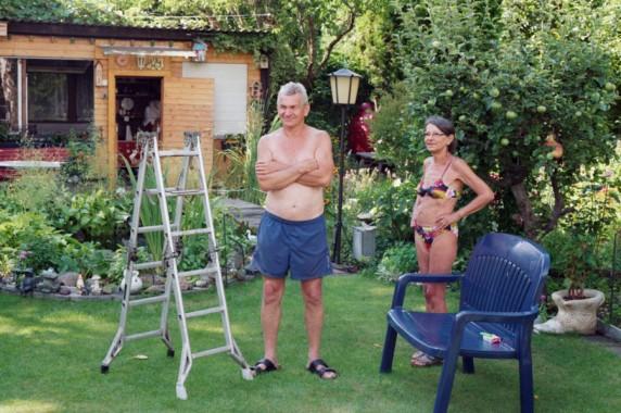 Dagmar und Ralf in ihrem Garten