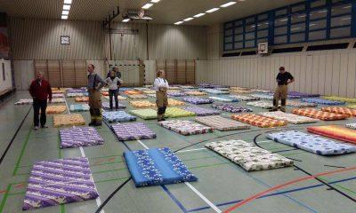 Matratzenlager in der Sporthalle