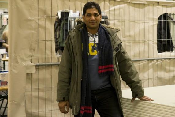 Dokumentationfotos in der Notunterkunft fuer Fluechtlinge in der ehemaligen C&A in der Karl-Marx-Strasse in Neukoelln am 8. Januar 2016. Im Foto: Hussein aus Pakistan