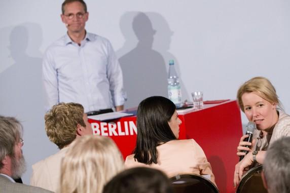 Neuköllns Bürgermeisterin Franziska Giffey unterstützte Müller von der ersten Reihe aus.