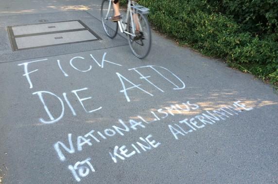 Straßenwiderstand gegen die AfD am Tempelhofer Feld (Bild: Anke Hohmeister)