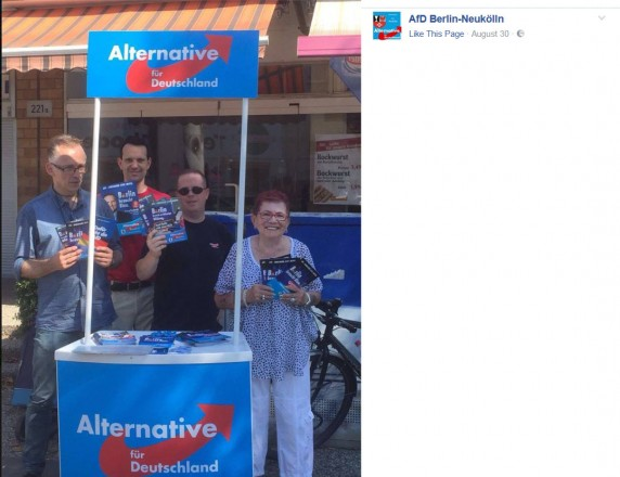 Die Ehemalige Linke Franziska Lorenz-Hoffmann (rechts im Bild) ist inzwischen bei der AfD Neukölln aktiv. (Screenshot: AfD Berlin-Neukölln/Facebook)
