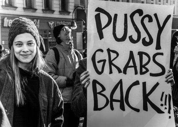 Gegen Sexismus und für Solidarität gingen letzten Samstag mehrere Hundert Menschen auf die Straße.