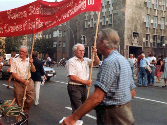 Werner Gutsche auf einer Friedensdemo circa 1981 (Foto: Archiv VVN-BdA)