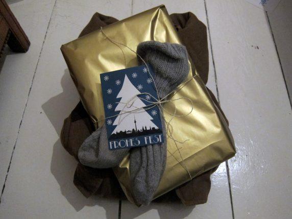 Statt Kleidersammlung - warme Kleidung als Weihnachtsgeschenke für Obdachlose