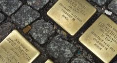Stolpersteine vor der Karl-Marx-Straße 76 - Foto: Carolin Schmidt