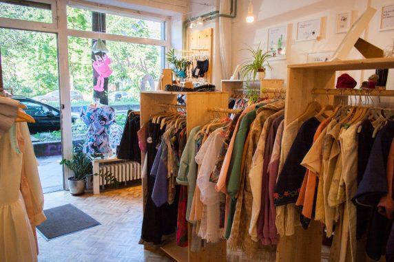"""9b17f09aecd00a Die besten """"Fair Fashion""""-Läden – neukoellner.net"""