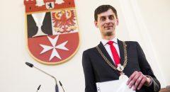 Martin Hikel (SPD, 31) nach seiner Wahl als neuer Bezirksbuergermeister von Neukoelln im Rathaus Neukoelln von Berlin am 21. Maerz 2018.