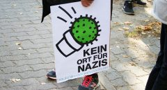 Mobile Plakate. Foto: Anti-AfD-Demo in Rudow